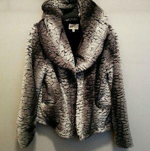 ❄NWOT Jolt Gray Faux Fur Hooded Jacket Sz M❄